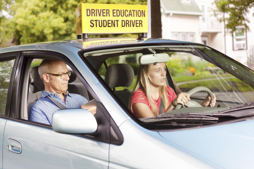 Студентка в первый раз в авто фото 465-214